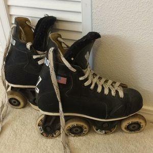 Shoes - Hockey online skates